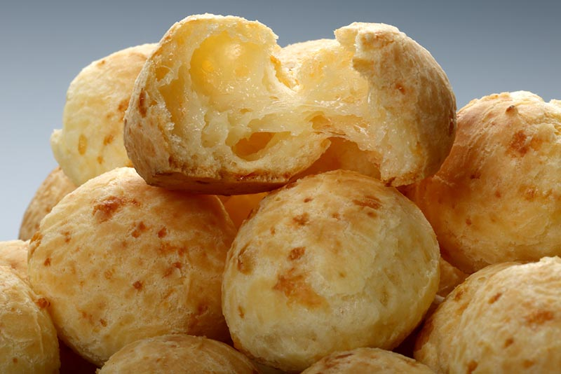 como fazer pão de queijo caseiro