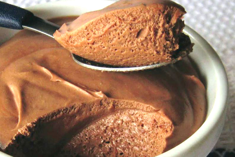 Mousse de chocolate com apenas 3 ingredientes