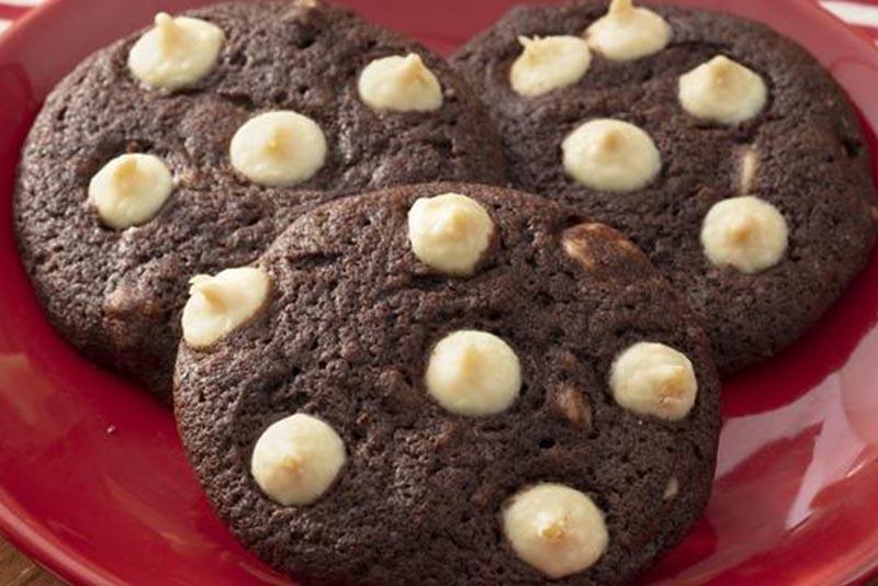 Cookies de Chocolate com Gotas de Chocolate Branco